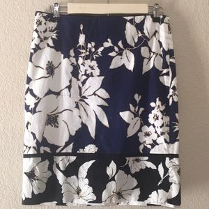 White House Black Market Floral Print Skirt, Sz 4